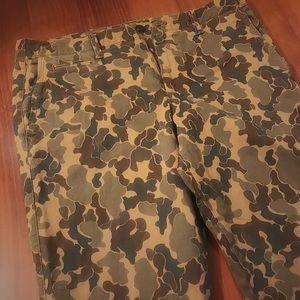Gap camo cloud pants size 34/32